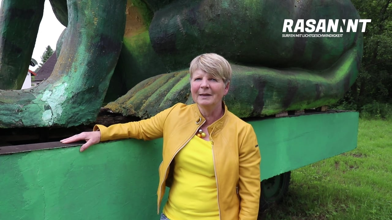 RASANNNT - Ortsbürgermeisterin Monika Strecker zum Ausbaustart in Poggenhagen